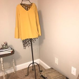 Dalia yellow 3/4 sleeve top
